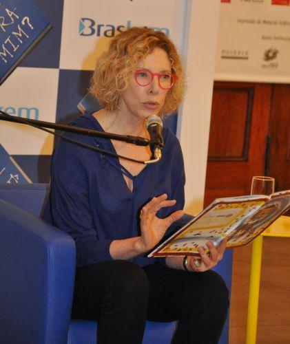 Marília Gabriela dedicou o sábado ao projeto Lê pra Mim, realizado aos sábados no Museu da Língua Portuguesa, em São Paulo (2/4/2011)