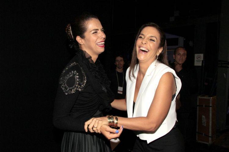 Vanessa da Mata e Ivete Sangalo no no 22º Prêmio da Música Brasileira, no Teatro Municipal do Rio (6/7/11)