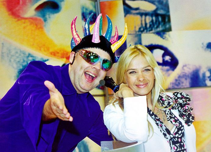 Com o DJ Zé Pedro, Adriane comandou o programa