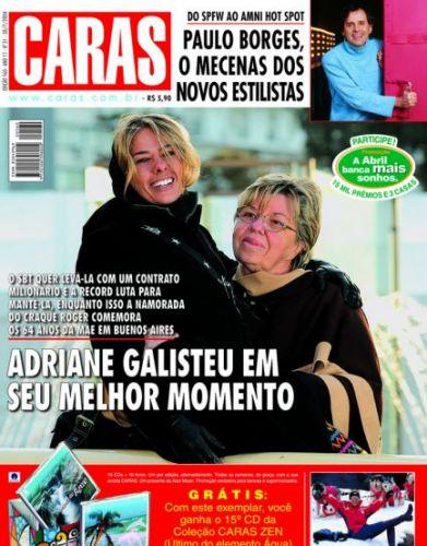 Adriane Galisteu e a mãe, D.Emma, viajaram para Buenos Aires e foram capa da revista