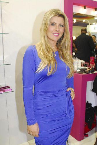 A ex-BBB Iris Stefanelli participa da Beauty Fair, evento de beleza que acontece em São Paulo até o dia 13 de setembro (12/9/11)