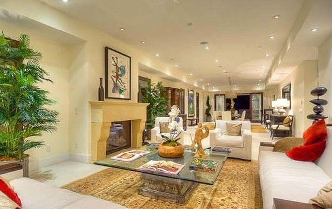 Uma outra sala de descanso da casa de Charlie Sheen em Los Angeles, EUA (26/5/11)
