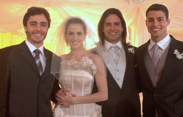 Da esquerda para a direita: Thiago Rodrigues, Deborah Secco, Iran Malfitano e Cauã Reymond em