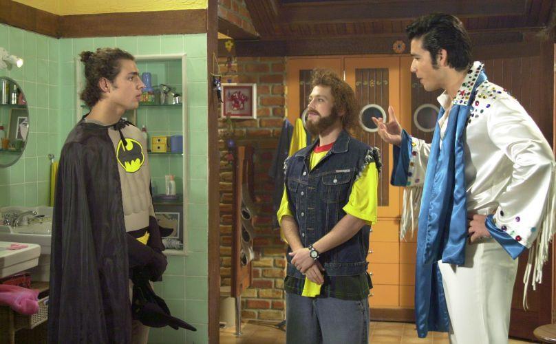 Cauã Reymond se vestiu de Batman para a gravação de uma cena de