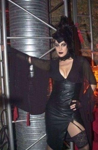 Claudia Raia na pele da vampira Mina de Montmartre de
