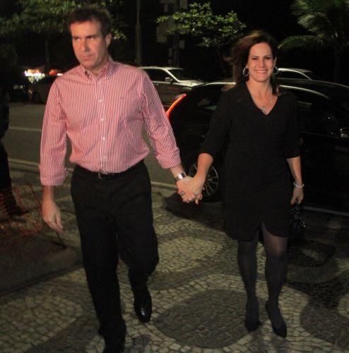 A jornalista Renata Ceribelli e o marido vão à festa de aniversário da promotora de eventos, Líége Monteiro em Ipanema, Rio de Janeiro (1/9/11)
