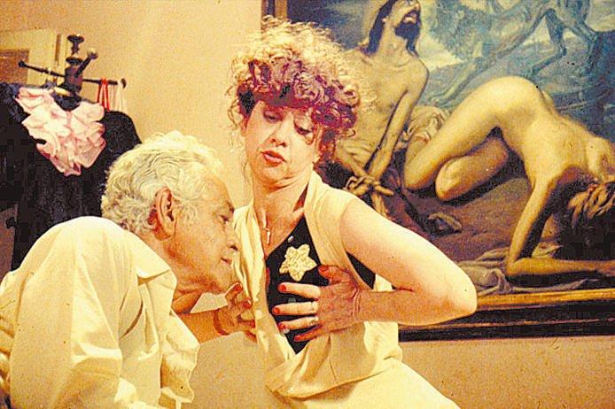 Fernanda Montenegro e Paulo Gracindo (1911-1995) em cena do filme