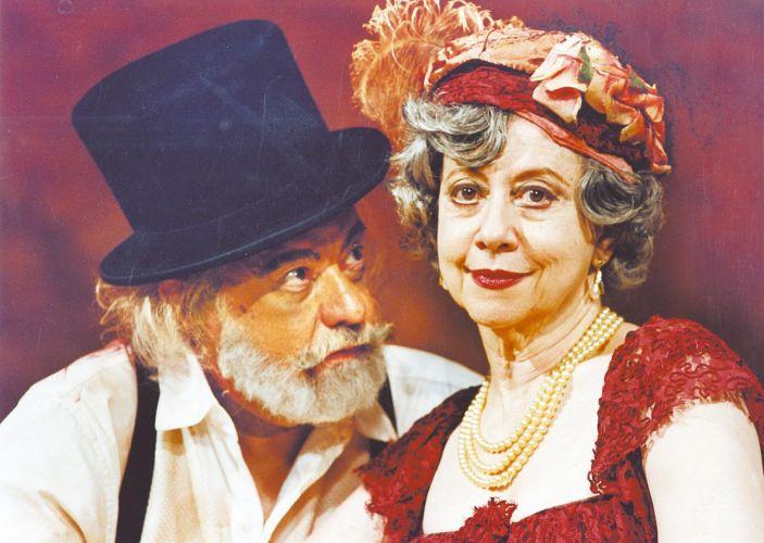 Atuou ao lado do marido Fernando Torres (1927-2008) na peça