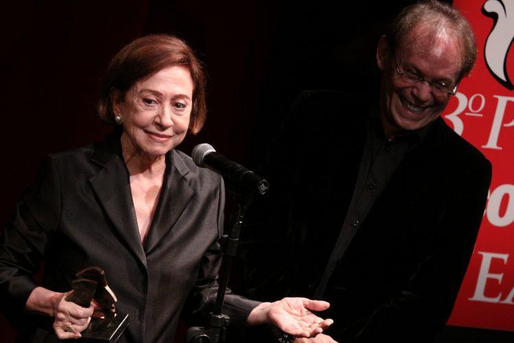 Fernanda Montenegro agradece o prêmio de melhor atriz por