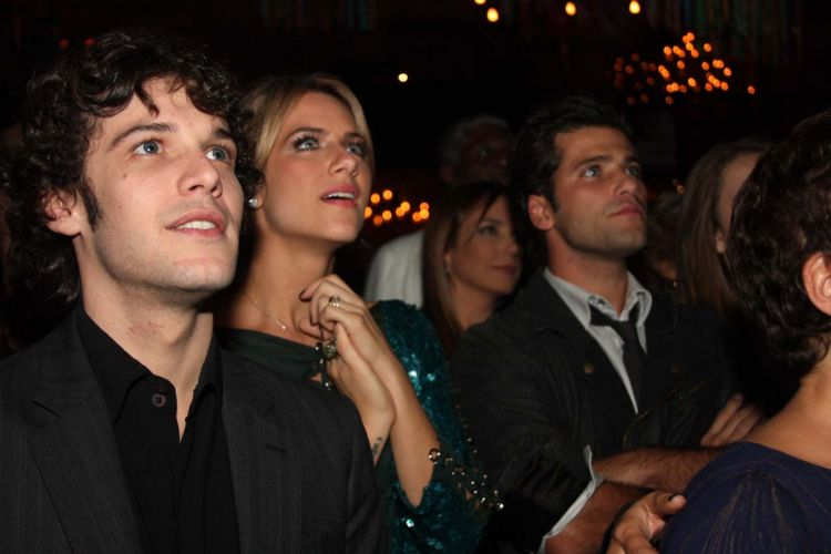 Jayme Matarazzo (à esq.), Giovanna Ewbank e Bruno Gagliasso na festa de lançamento da novela