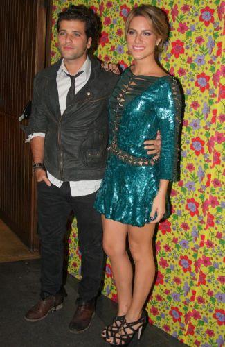 Bruno Gagliasso chega acompanhado da mulher Giovanna Ewbank para a festa de lançamento da novela
