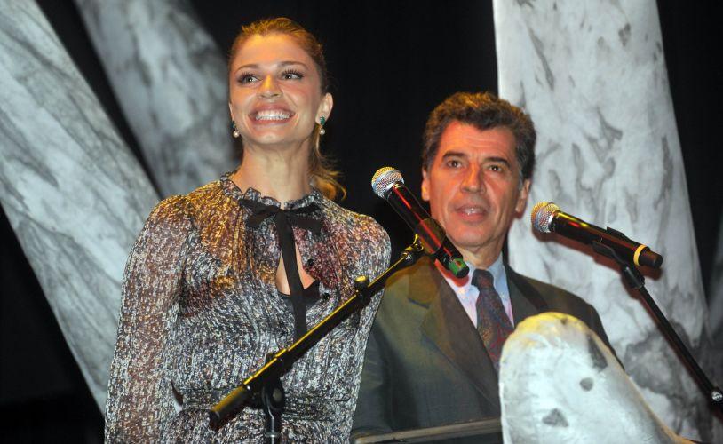 Paulo Betti e Grazi Massafera anunciam os vencedores do 32º Profissionais do Ano (24/11/2010)
