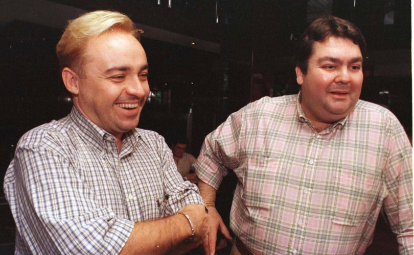 Os apresentadores Augusto Gugu Liberato (à esq.) e Fausto Silva no restaurante Fasano (29/10/97)