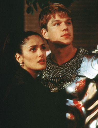 A atriz Salma Hayek e o ator Matt Damon em cena do filme