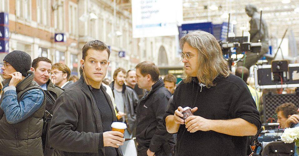 Matt Damon (à esq.), que interpreta Jason Bourne, na gravação do filme
