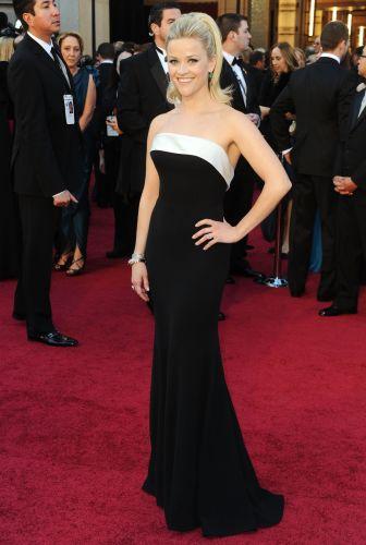 A atriz Reese Witherspoon, que apresenta um dos prêmios da noite (27/2/11)