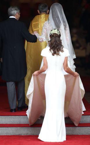 Um dos momentos que Pippa chamou atenção durante o casório de sua irmã, Kate. Foi aí que o bumbum da Pippa passou a ser um dos mais comentados nas mídias sociais (29/4/11)