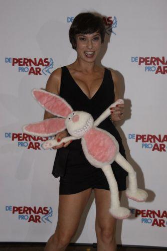 A atriz Maria Paula vai à pré-estreia do filme