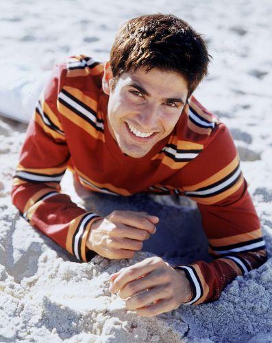 Reynaldo Gianecchini nasceu dia 12/11/72, em Birigui, no interior de São Paulo. Começou a carreira como modelo e sua primeira peça foi
