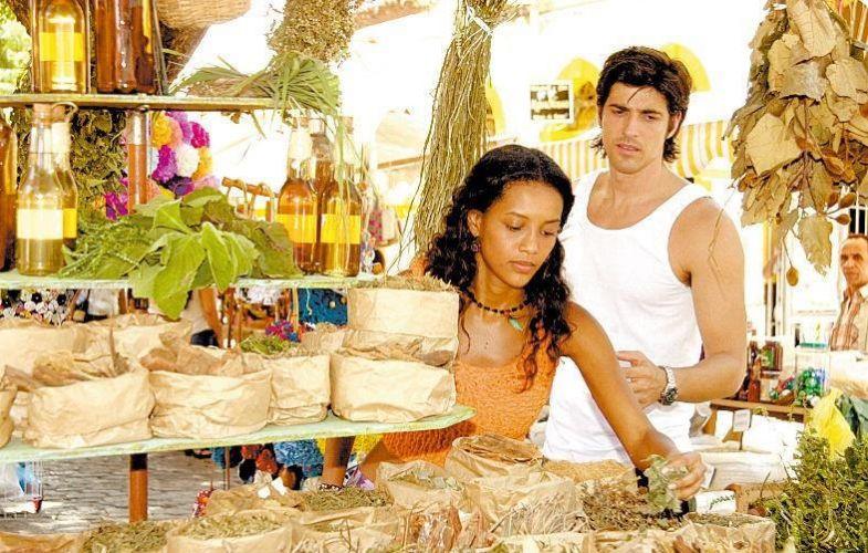Os atores Taís Araújo e Reynaldo Gianecchini em cena da novela