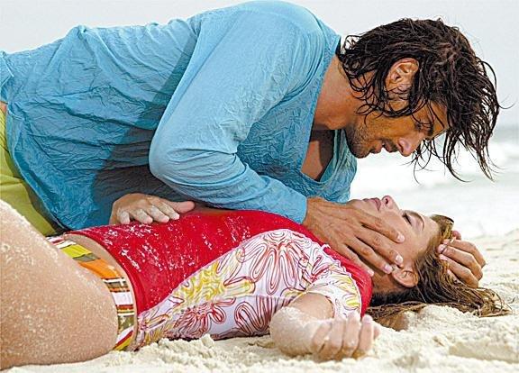 Os atores Reynaldo Gianecchini e Aline Moraes em cena da novela
