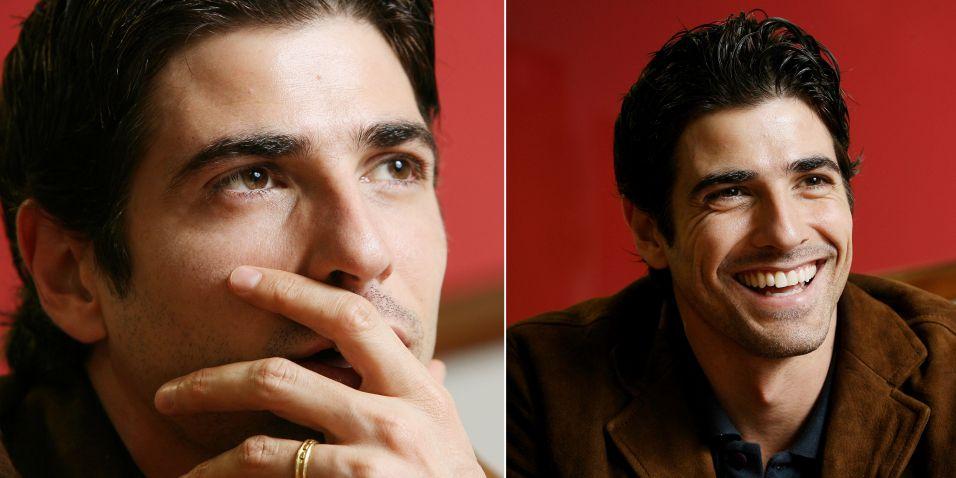 Entrevista com o ator Reynaldo Gianecchini para a Folha de SP (22/8/2006). O ator falou sobre política e seu relacionamento com a Globo