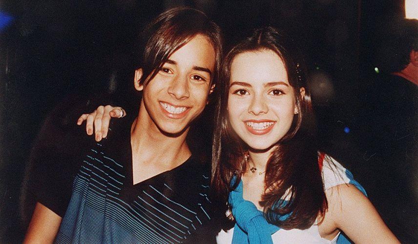 Sandy e Júnior em uma foto de divulgação da dupla (27/12/1998)