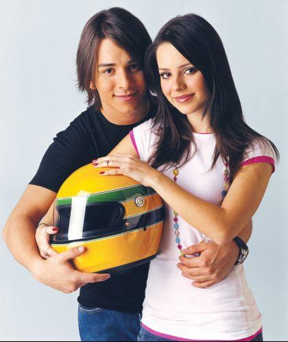Sandy e Junior em foto para o Projeto Instituto Ayrton Senna (2004)