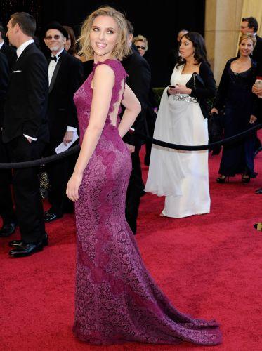 Scarlett Johansson (esq.), Penelope Cruz (de preto), Soon-Yi Previn e o diretor Woody Allen na festa do filme