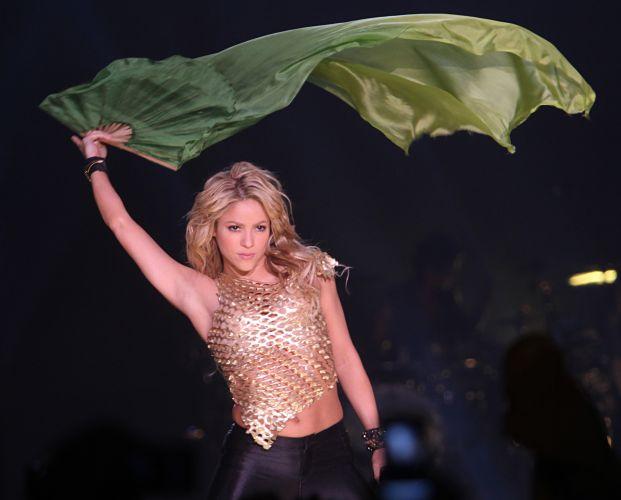 Shakira durante apresentação em Paris (6/12/2010)