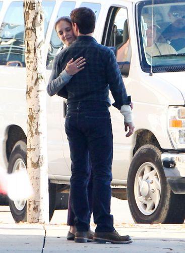 Katie Holmes aproveitou para visitar o marido, Tom Cruise, no set de filmagem de