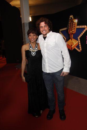 Aparecida Petrowky e o noivo Felipe Dylon vão à festa do Prêmio Multishow, no Rio de Janeiro (6/9/11)