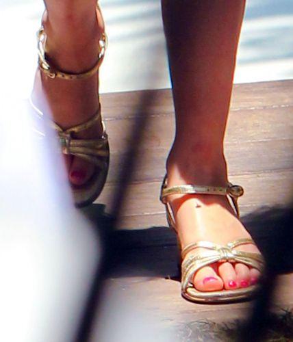 Detalhes das unhas pintadas de rosa de Suri, no Soho Beach House Miami Hotel em Miami, na Flórida (3/7/11)